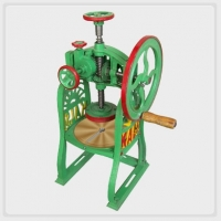 ice-cutter-hand-operated